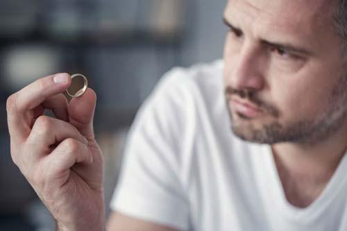 Обручальное кольцо во сне толкование по сонникам